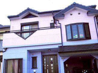 外壁・屋根リフォーム ピンクとパープルで優しい色合いの外壁